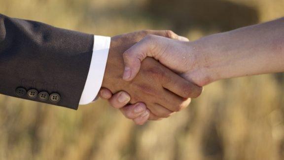 Istock Handshake Home